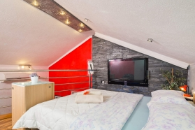 private-accommodation-brela-croatia-apartment-1-17