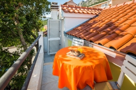 private-accommodation-brela-croatia-apartment-1-24